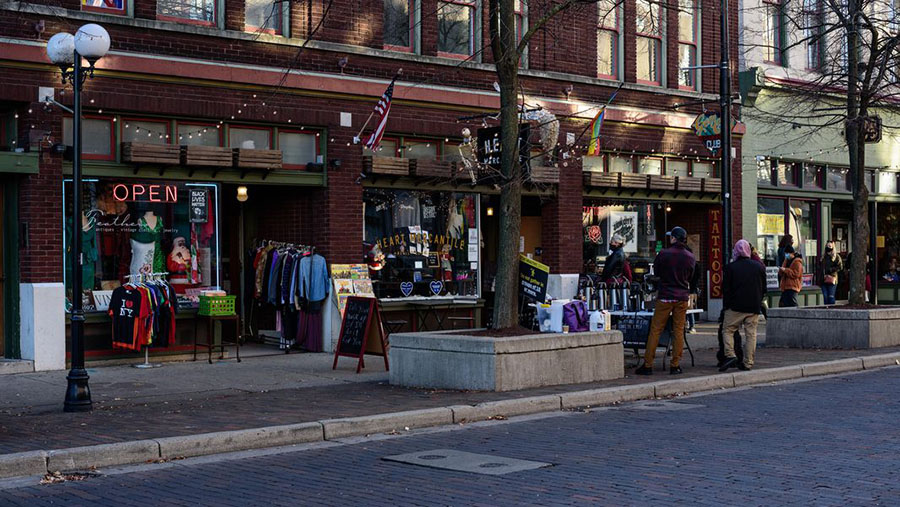 Outdoor shopping in the Oregon District