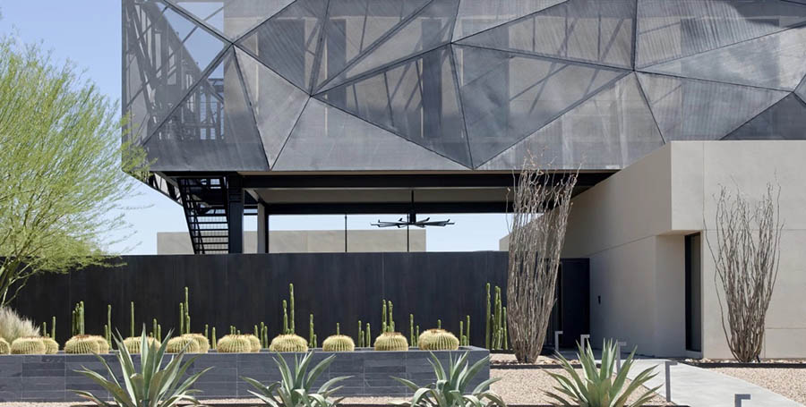 A modern desert house that can withstand the harsh environments of the Mojave